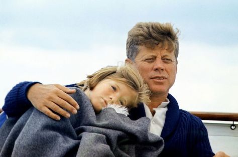 640px-JFK_with_Caroline_on_the_Honey_Fitz,_1963